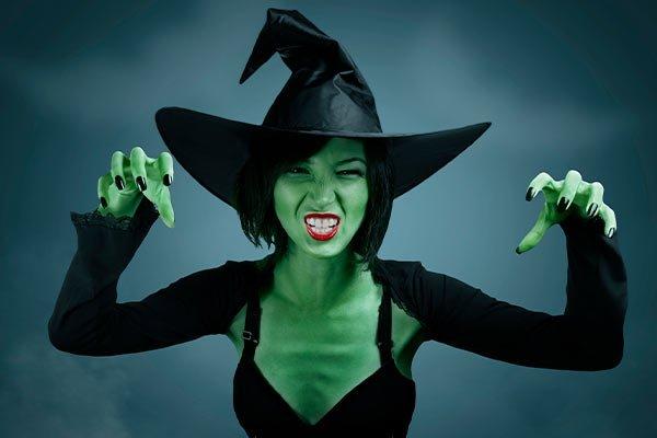 Maquillaje-Halloween-Bruja-Verde