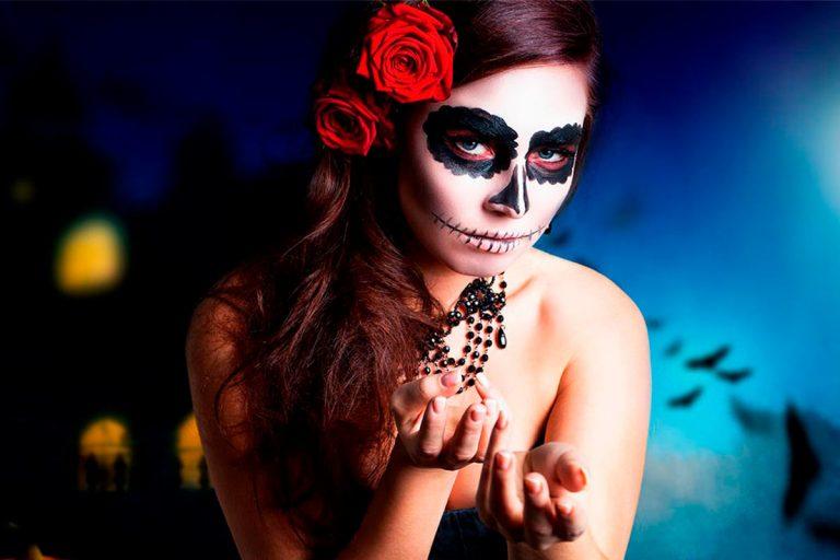 Maquillaje de Halloween mujer Catrina