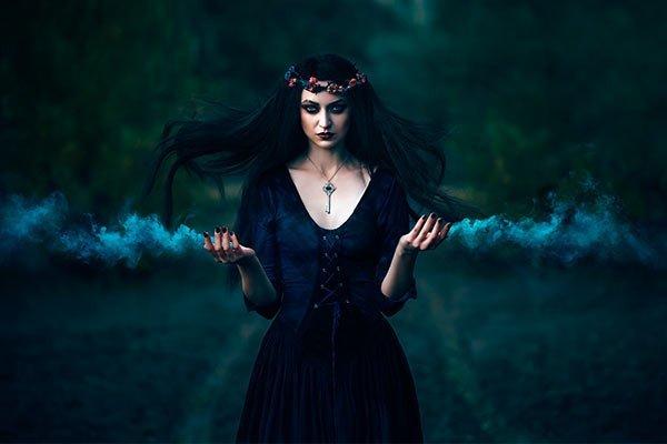 Maquillaje de Halloween mujer, Bruja medieval