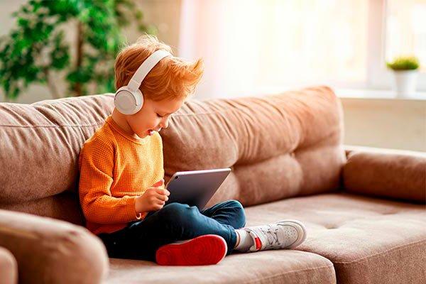 Primer día de clases en línea, equipa a tu hijo
