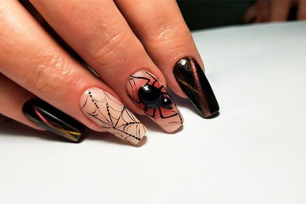 Uñas para Halloween de araña