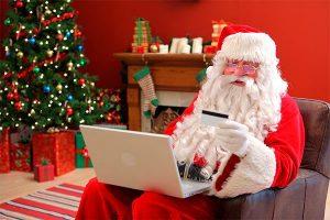 Descubrimos a Santa Claus y a los Reyes Magos comprando juguetes