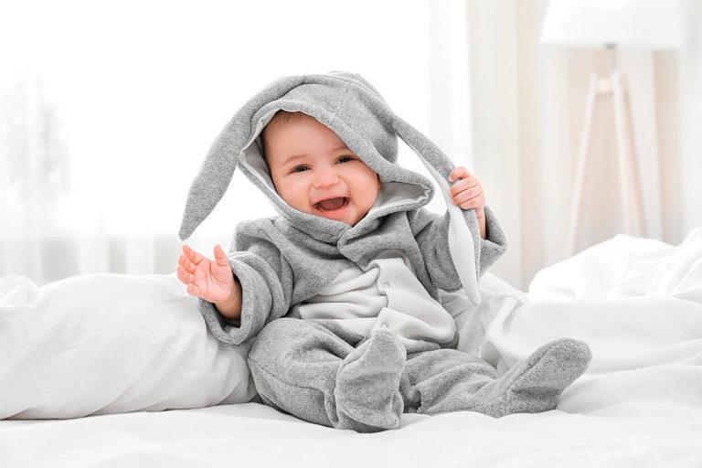 Cómo abrigar a un bebé en invierno