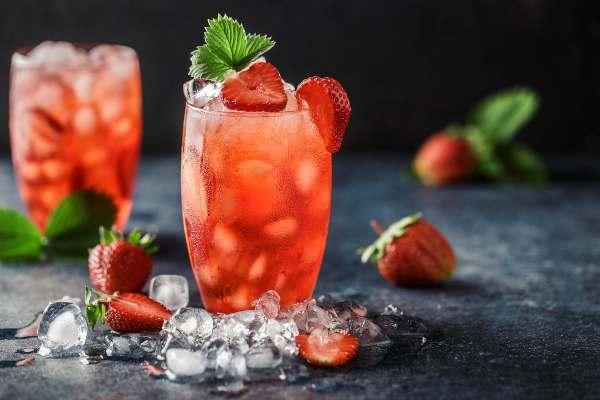 Agua de coco con frutos rojos, Bebidas refrescantes