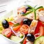 ensalada-griega-con-pollo