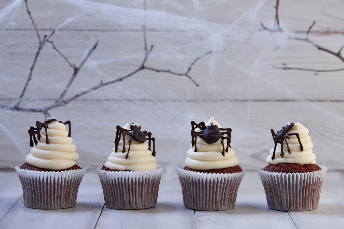 Cupcakes-con-arañas-de-chocolate