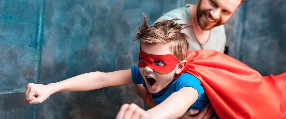 Cómo hacer un disfraz casero de superhéroe