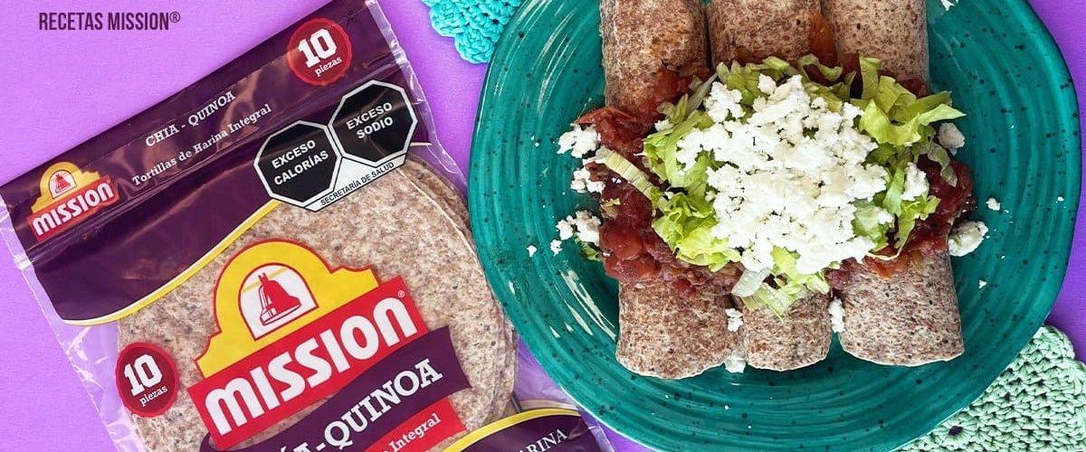 tacos-de-pollo-con-salsa-roja